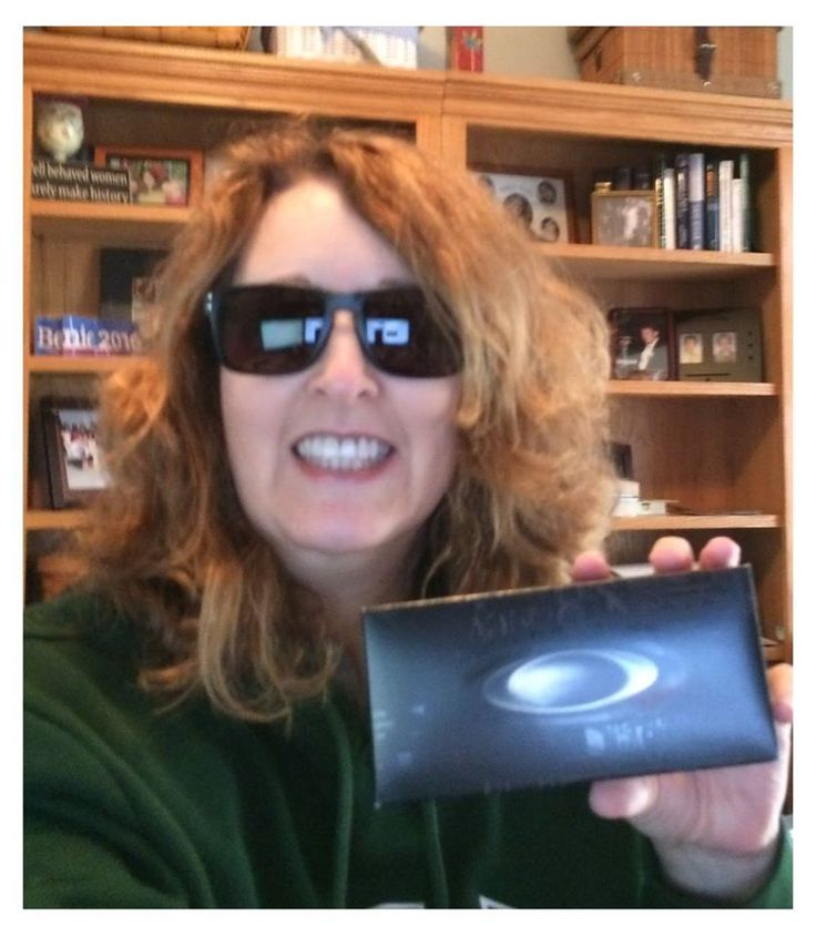 Connie used 16 voucher bids to win these sunglasses for only $1.09! #QuiBidsWin