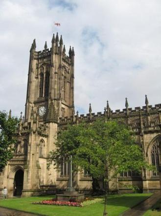 Catedral de Manchester. Un hermoso edificio gótico del siglo XV, del que destacan el coro, el púlpito y la sala capitular.