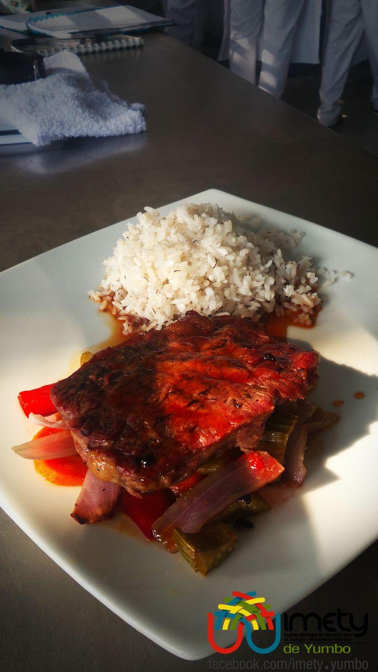 """La Posta Cartagenera es un plato propio de Cartagena, de allí su nombre, y es una variación de la preparación cotidiana de la carne """"etiqueta, comparte, comenta"""""""