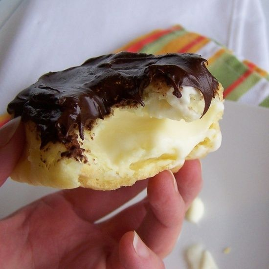 Easy Eclairs - Delicious!!!!  Pinner says:This is one of the first recipes I learned how to bake when I was 13 or 14 yrs. old. I learned it from an Italian lady, who was the BEST cook on the block, and probably the neighborhood. This is VERY simple to make!