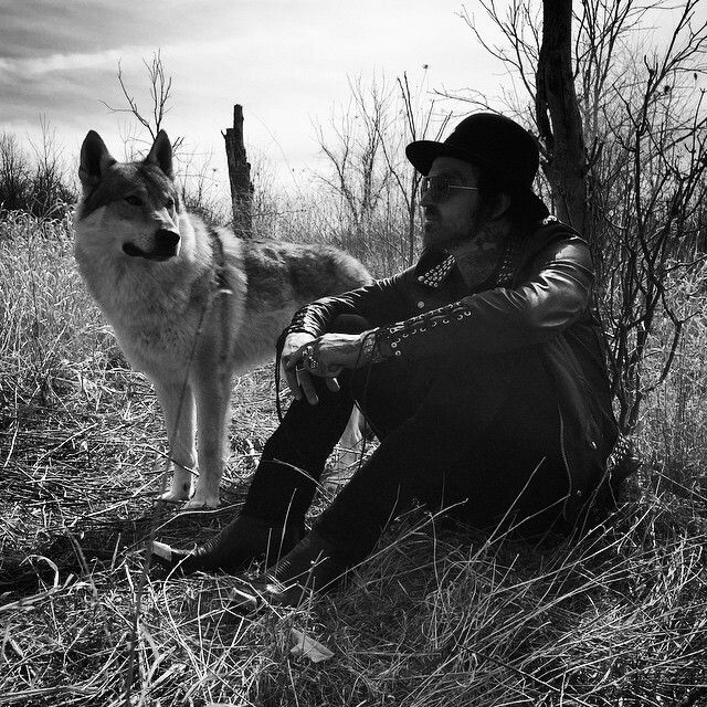 Yelawolf and the yellow wolf!!