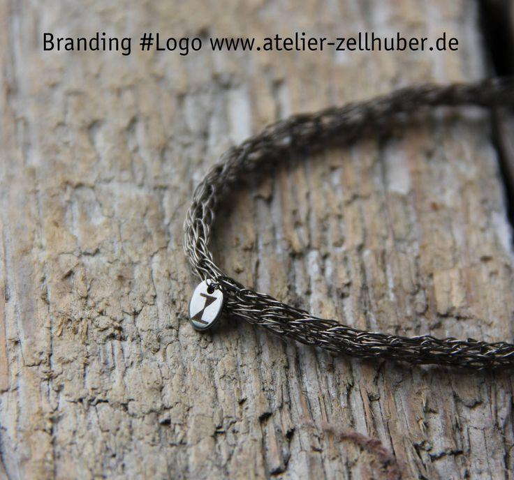 Kette aus Titandraht von Hand verstrickt - - www.atelier-zellh... #Titan #Schmuck