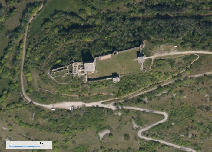 Château de Puivert sur GeoPortail