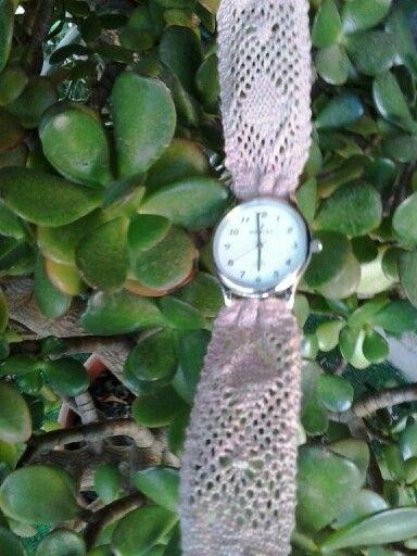 Corretja de rellotge feta amb lli. Dolors Company 2015