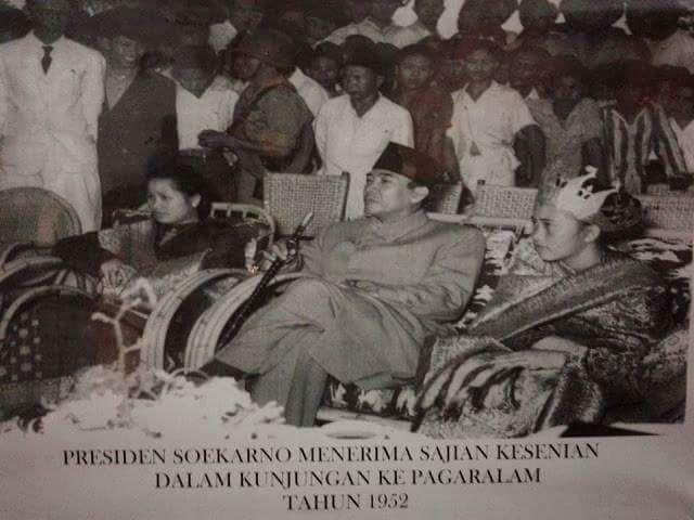 Presiden Soekarno ke Pagar Alam 1952