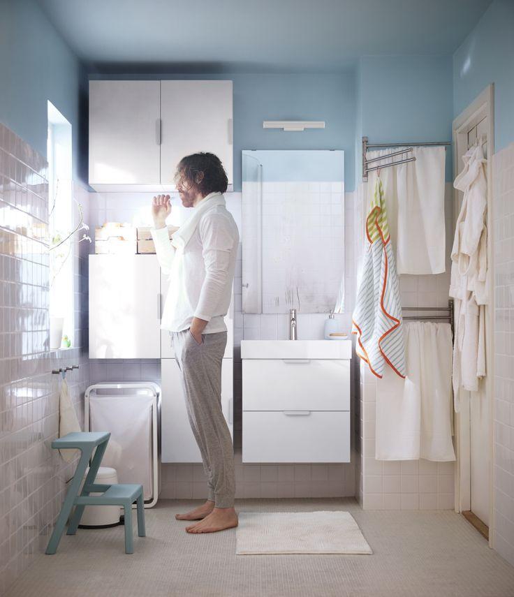 GODMORGON bovenkast met 1 deur | #IKEAcatalogus #nieuw #2017 #IKEA #IKEAnl #kast #badkamer #wastafel #kruk #kraan #handdoek #spiegel