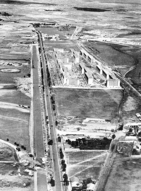Viviendas de la EMT, conocidas como la Colonia San Cristobal en el Paseo de la Castellana en 1949