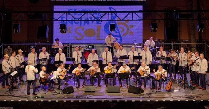 ALMUÑÉCAR.Ya están a la venta las entradas para el concierto que el grupo almeriense Almenara ofrecerá a beneficio de Cáritas Almuñécar, Asociación de Madres Solas y Afavida,