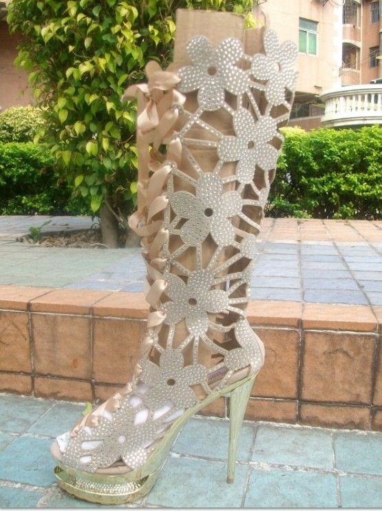 (120.00$)  Watch now - http://aikl7.worlditems.win/all/product.php?id=32761864925 - 2016 new fashion knee high cut out pointed toe flowers thin heel white boot for woman in spring and autumn  big size 35-41