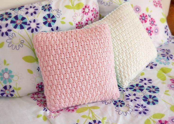 Crocheted pillow covers \u2014 free pattern on Leelee Knits & 476 best Crochet Pillows images on Pinterest | Cushions Crochet ... pillowsntoast.com