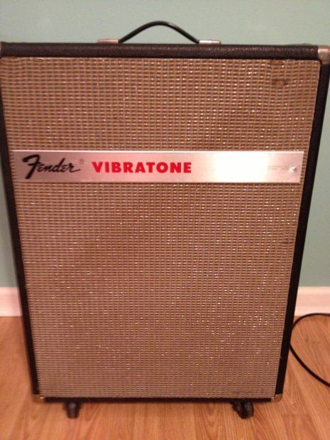 "Fender Vibratone a variant of the Leslie Model 16 and 18 speaker cabinets. The Vibratone contains a rotating drum mounted in front of a 10"" speaker."