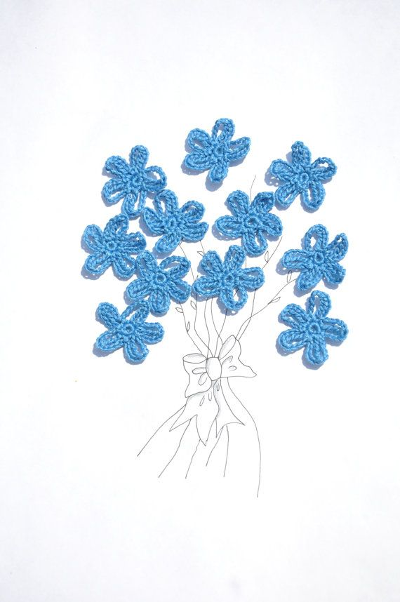 Crochet Flower Appliques Small Flowers by manufattofattoamano, €1.50