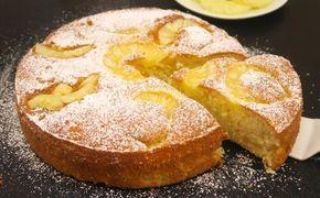 Se amate l'ananas e i dolci alti e soffici, questa è la torta che senza dubbio fa per voi!  GLI INGREDIENTI 3 uova 150g di zucchero 280g di farina 1 bustina di lievito per dolci 130 ml di succo d'ananas 1 pizzico di sale  LA PREPARAZIONE Sbattete le uova insieme ad un pizzico di sale e aggiungete gradualmente lo zucchero. Incorporate la farina setacciata, il lievito e i pezzetti di ananas. Versate il composto in uno stampo imburrato e ponete sopra delle fette intere di ananas sciroppa...
