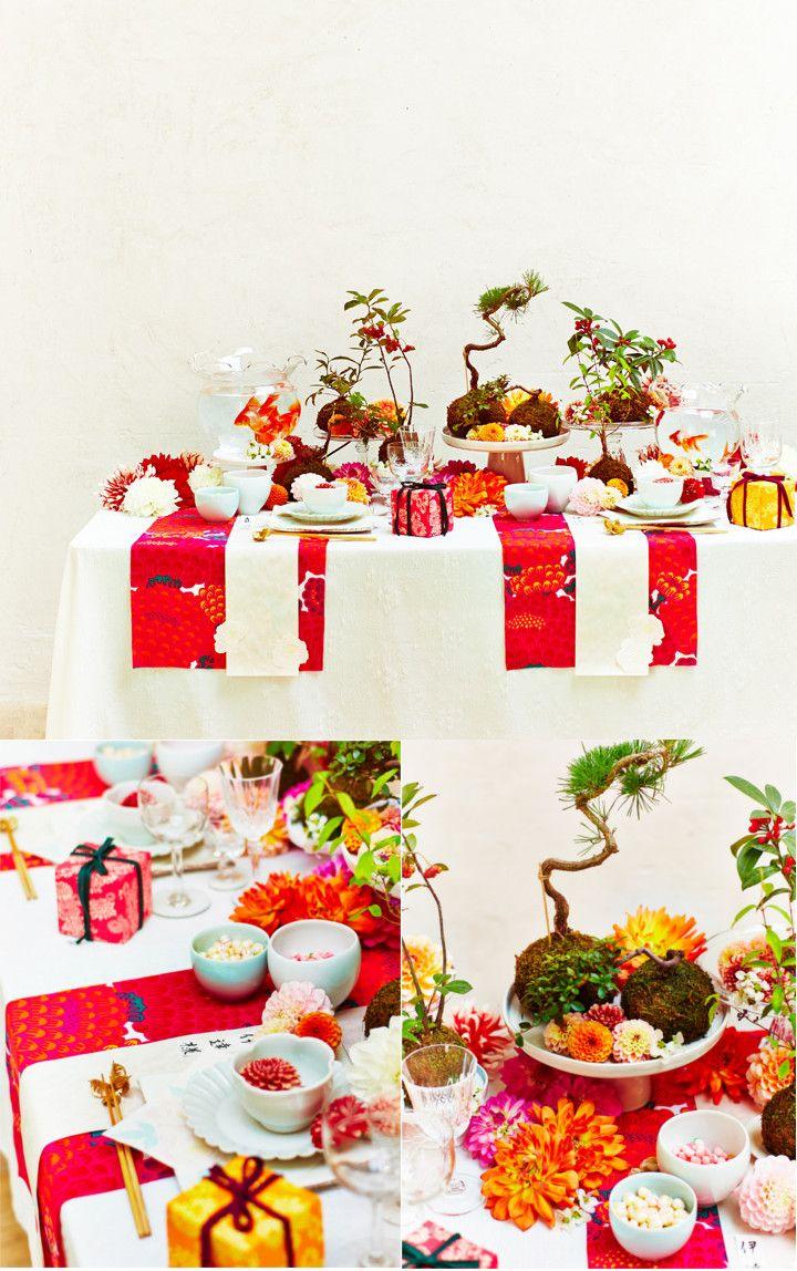 和婚のゲスト卓アレンジには、コケ玉盆栽と金魚鉢で遊び心のあるダイナミックなテーブル装花・装飾はいかがでしょう。ぐっと雰囲気が出ますよ♪