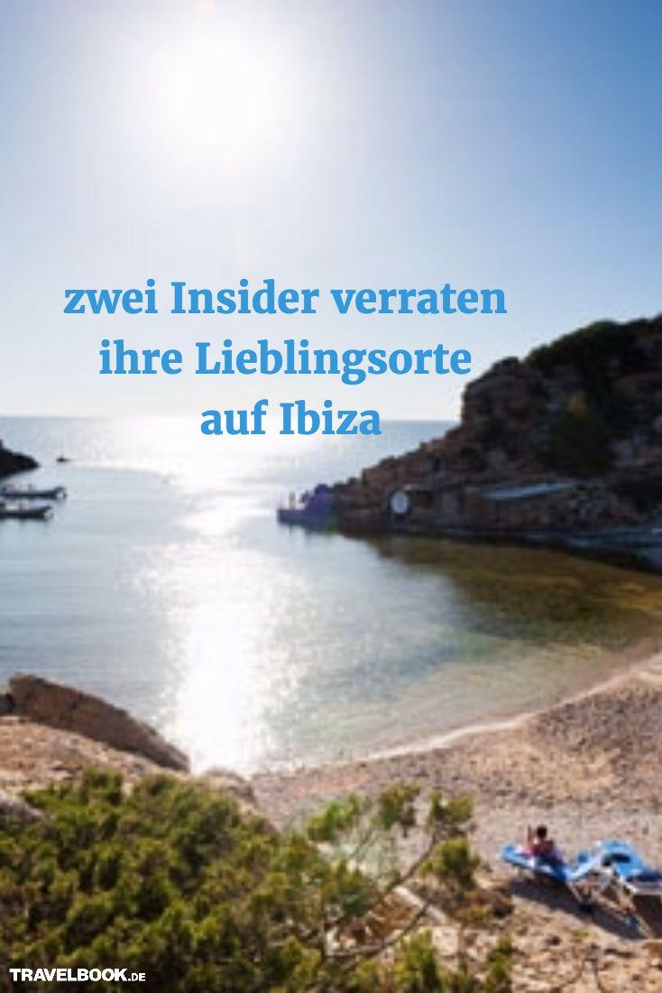 Im Sommer zieht es Hunderttausende an die Strände und in die Clubs Ibizas, doch auch in der Nebensaison lohnt sich ein Trip auf die Baleareninsel. TRAVELBOOK hat zwei Insider gefragt, welche Restaurants, Clubs und Strände (nicht nur) in der Off-Season bes (Best Travel Products)