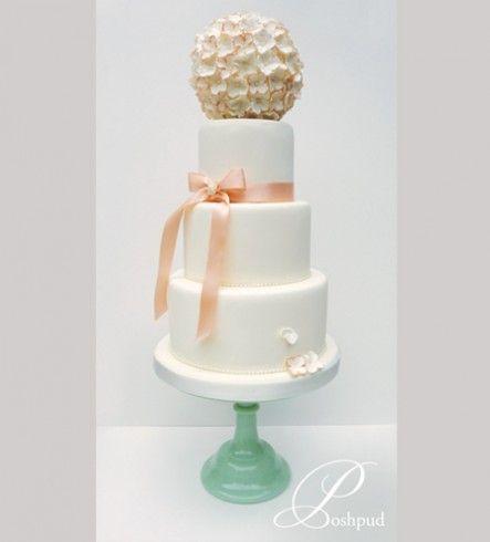 Poshpud | Saunders; peach wedding cake