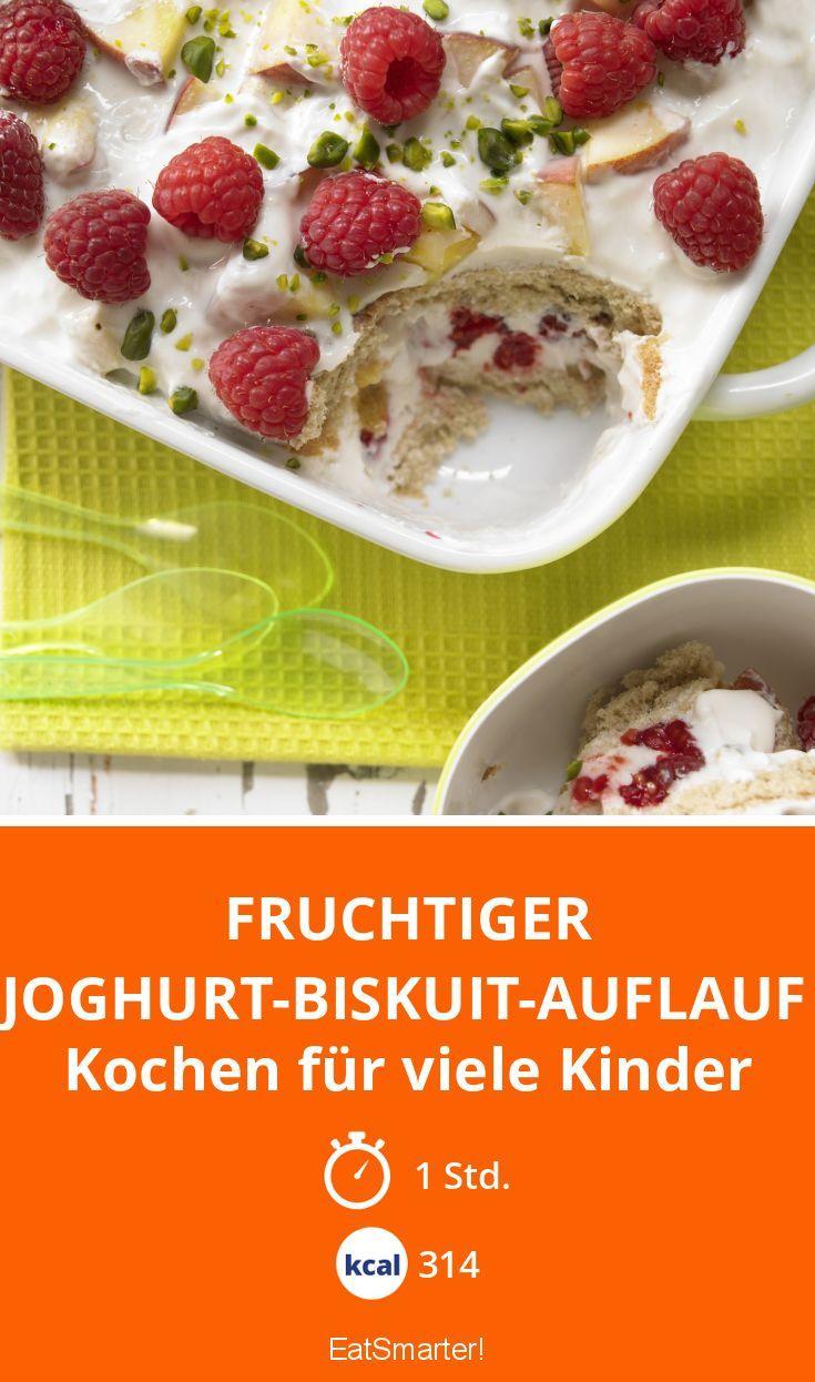 Fruchtiger Joghurt-Biskuit-Auflauf - Kochen für viele Kinder - smarter - Kalorien: 314 Kcal - Zeit: 1 Std. | eatsmarter.de