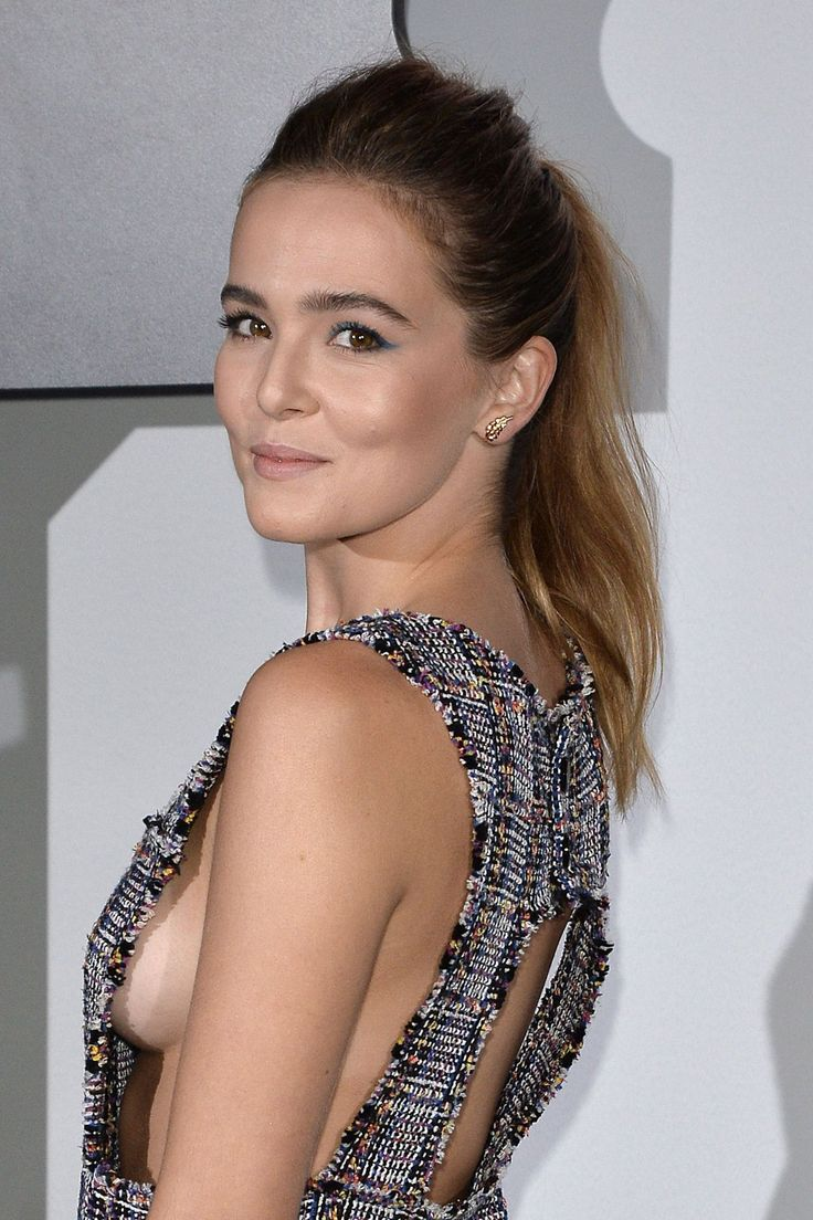 ZOEY DEUTCH at Chanel Celebrates Launch of No.5 L