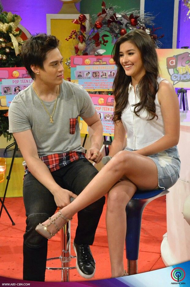 This is Enrique Gil and Liza Soberano having fun during ASAP Chillout Christmas Countdown Special at ABS-CBN Studio 10 last November 15, 2015.