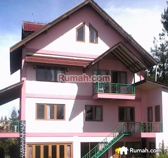 Vacation Home For Rent - Villa Pink Blok P Jalan Kolonel Masturi Km 9 Parongpong, 40559 Indonesia, VACA, 6BR, 700sqft, #6910874