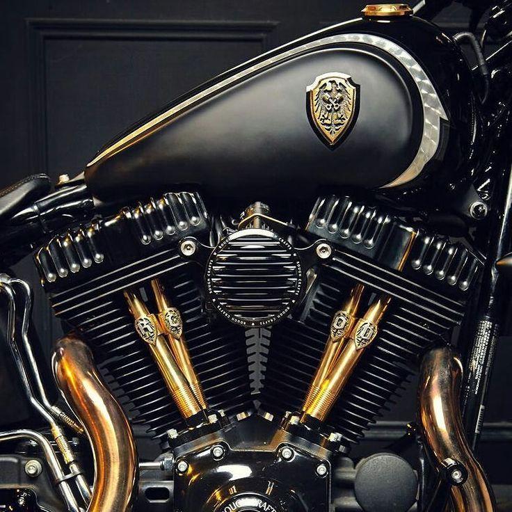 Harika bir pazar günü diliyoruz.  #motoron #motorin #motosiklet #motorsiklet #yamaha #honda #kawasaki #suzuki #bmw #ducati #aprilia  #indian #harleydavidson #benelli #vespa #mondial #superbike #motogp #enduro #motocross #ride #tişört #motosiklettisort #sweatshirt #kirmizigaraj #turkishriders #turkeyspeedteam #caferacer #repsol #redbull