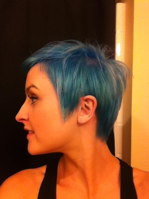 pastel blue short hair stanparentesalon stan parentes