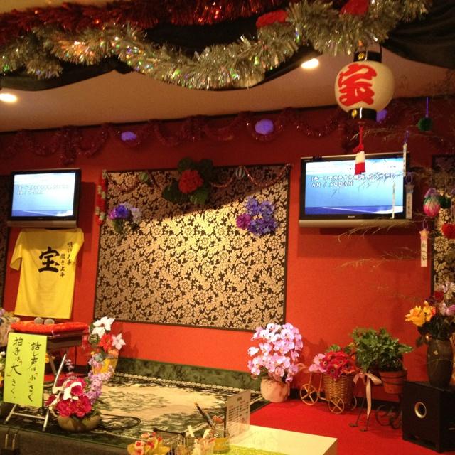 カラオケ喫茶   宝                     亀田町高松市                  演歌を歌うならココのお店だね。      日本の心です。