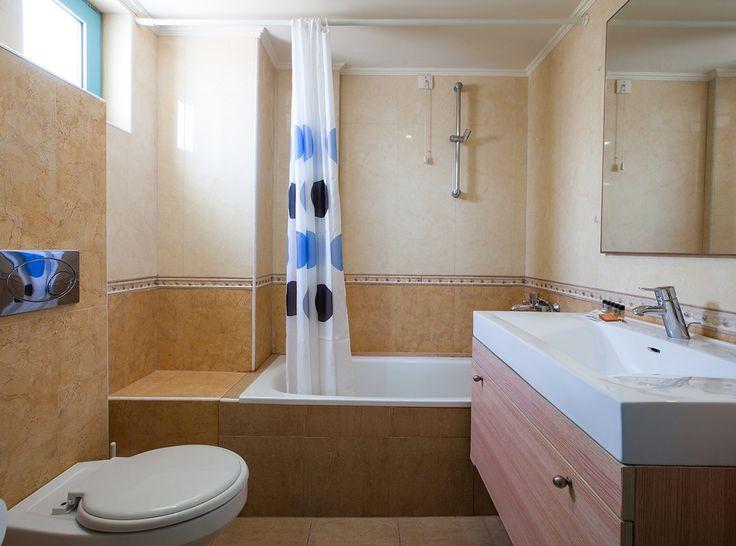 Accommodation at Elounda Breeze - Double Room - the bathroom #accommodation #vitahotels #eloundabreeze #elounda #crete #greece #travel #hotel #holidays