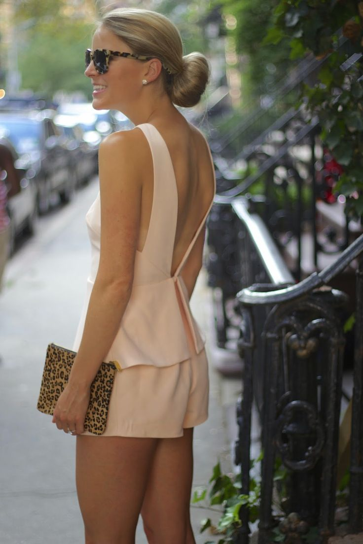 finders keepers, light pink jumpsuit, how to make a sock bun, coggles