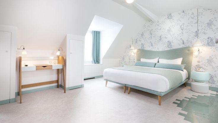 "Hotel Paris ""le lapin blanc"""