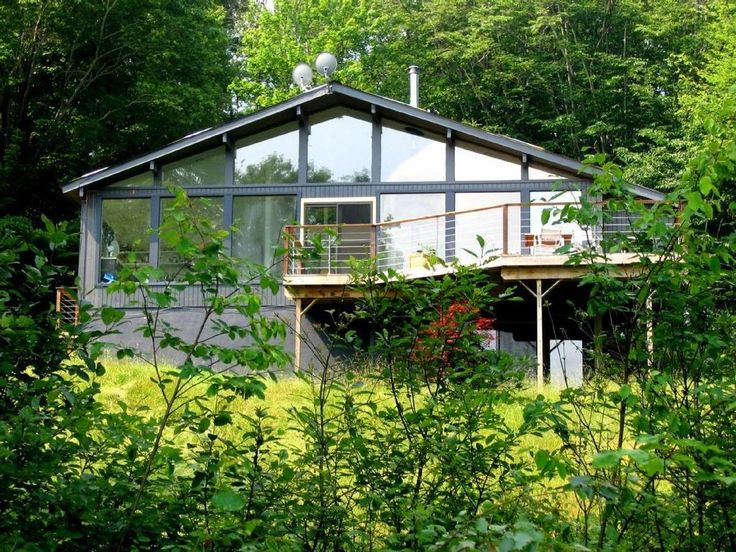 Designer Mountain Cabin w/ heated pool| 10 acres| Catskills | Livingston Manor. This stylish contemporary house provides a serene and secluded mountain retr...