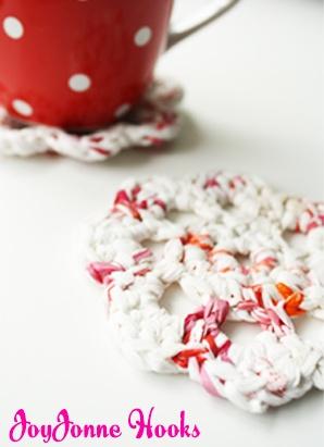 Leuk om een setje van deze onderzetters cadeau te doen! - JoyJonne Hooks: Plastic Onderzetters/ Plastic Coasters