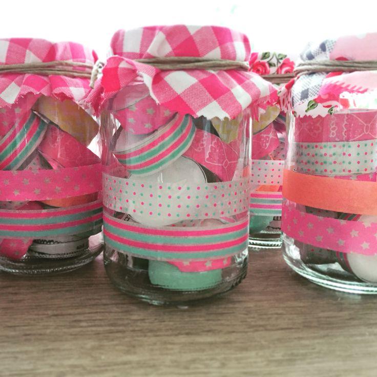 Potje met waxinelichtjes omwikkeld met washi tape van de Hema