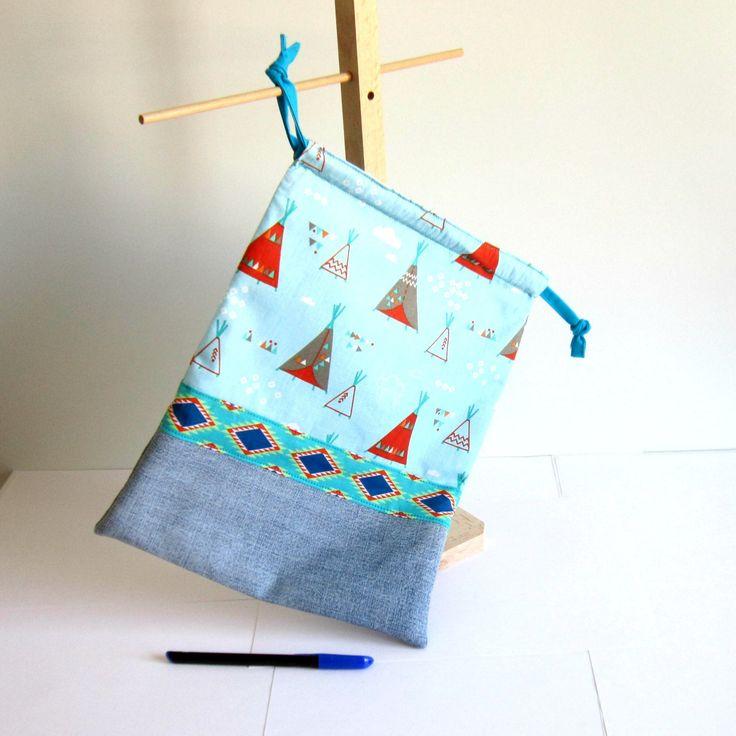 Pochon à sous-vêtements, range-pyjama en jean's recyclé et coton à motifs tipis d'indiens, motifs ethniques : Autres sacs par melkikou-upcycling