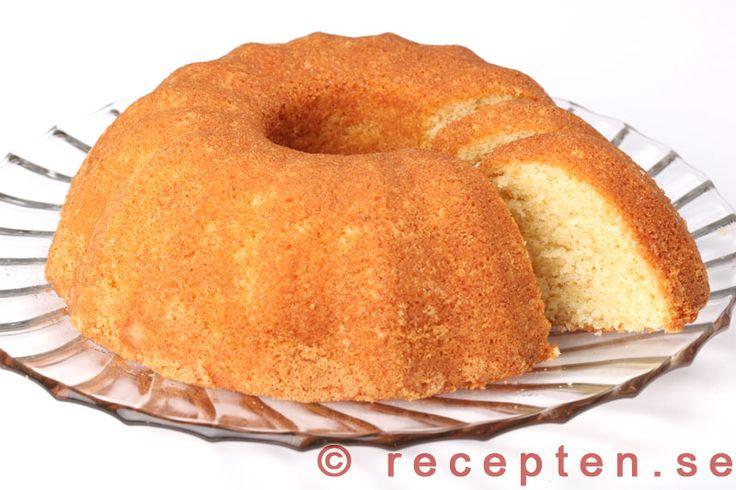 Sockerkaka - Mycket god och saftig sockerkaka. Väl beprövat recept som är enkelt att göra. Bilder steg för steg!