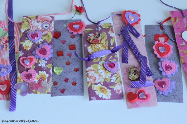 A fun and easy craft for Valentine's Day to create bookmarks to give to their friends. #valentinesday #kidscrafts