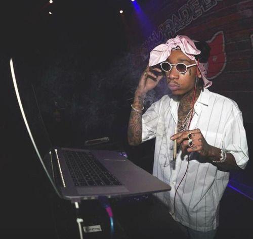 Wiz Khalifa doing his DJ thang.
