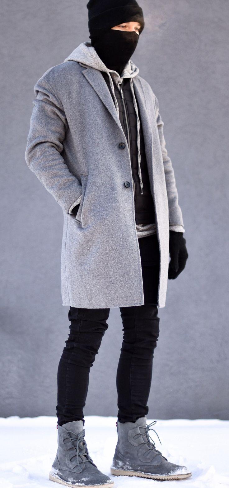 -15C, 5 layers, no stress. today im wearing a grey hoodie by @bellfieldclo, black vest and grey coat by @zara, basic turtleneck by @hm, basic black pants by @bershkacollection, shoes by ---- Follow Me On Instagram As Well https://www.instagram.com/achmedlachned/ --- #zara #winter #cold #layer #layering #bellfieldclo #hm #zara #bershka #revolve #menswear #men #inspiration #grey #black #streestyle #fashion #mensfashion #street #london #fashionweek #austria #insipration #ootd #lookoftheday…
