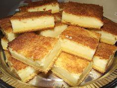 Aprenda a fazer a Delícia de Fubá, um bolo cremoso, saboroso e perfeito para o seu lanche. Experimente! Veja Também: Bolo de Fubá de Preguiçoso Veja Também