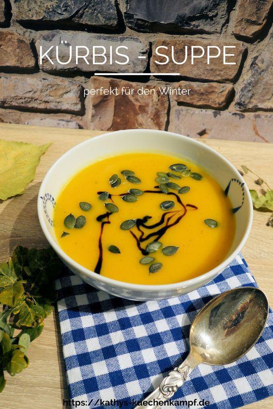 Diese Kürbis-Suppe wärmt nicht nur im Herbst perfekt - ein echtes Soulfood für kalte Tage - diesmal mit dem gewissen Etwas.