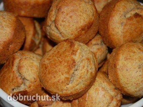 Fotorecept: Grahamové raňajkové muffiny - Nie vždy mám chuť a čas pripravovať kysnuté cesto. Tak som pripravila domáce grahamové pečivo...