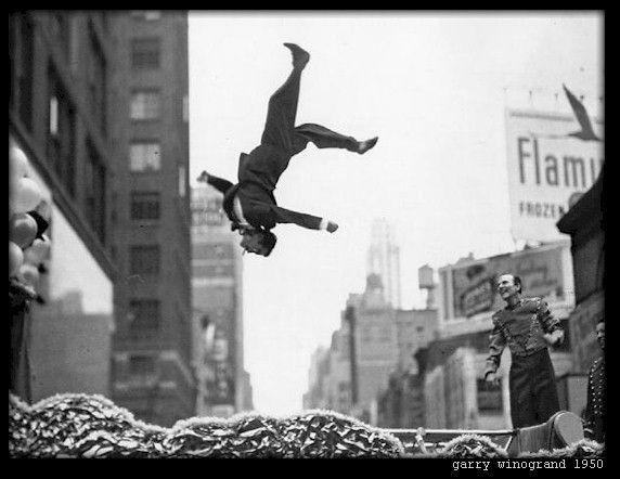 Φωτογραφία δρόμου /στον δρόμο... Gary Winogrand, 1950
