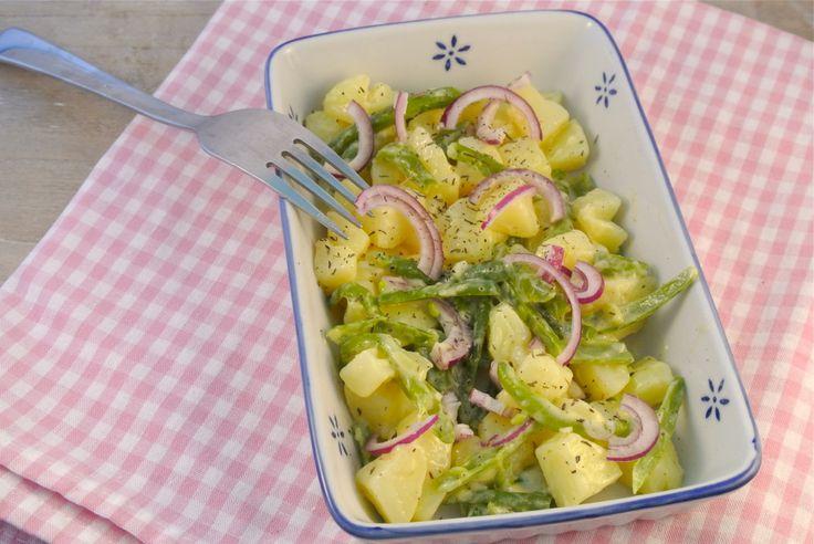 Aardappelsalade met sperziebonen, rode ui en een zelfgemaakte dressing - Lekker en Simpel