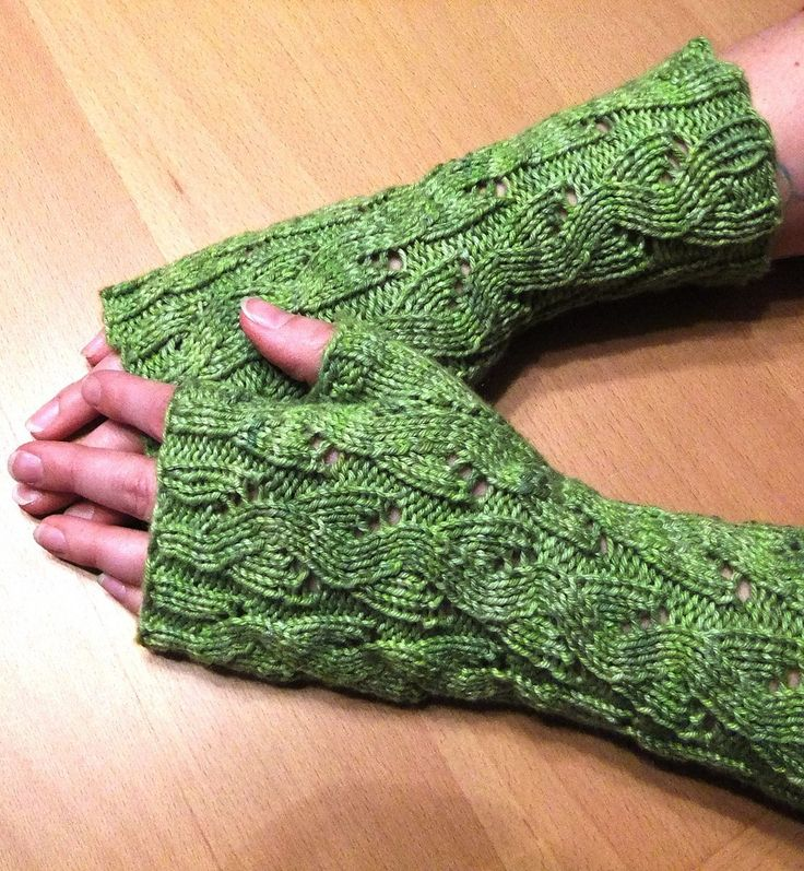 Knitting Pattern For Fold Over Mittens : 1000+ ideas about Fingerless Mitts on Pinterest Mittens ...