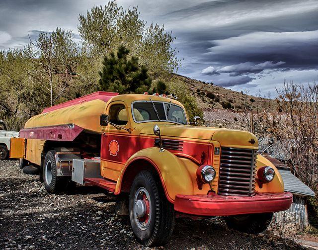 Old Shell Gasoline Truck reedit by GatorPiKA, via Flickr
