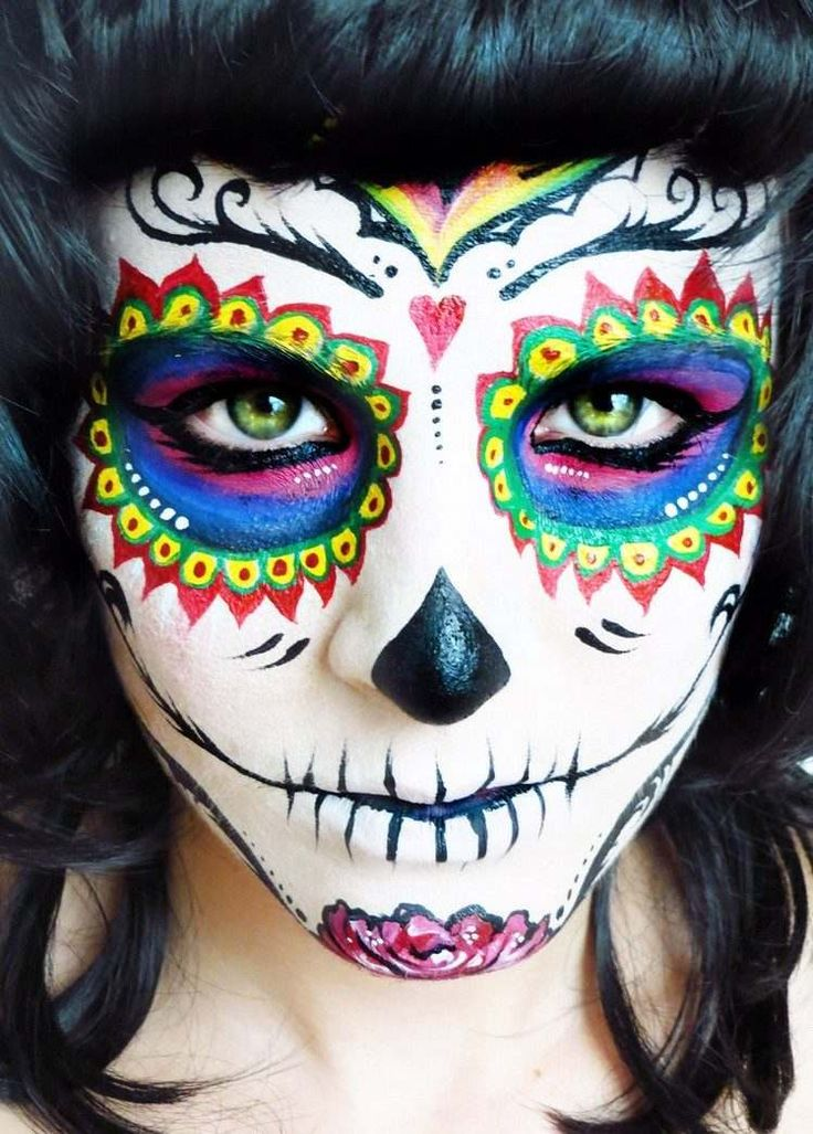 maquillage-halloween-femme-2016-tête-mort-mexicaine-multicolore