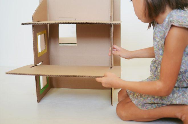 diy: recycled cardboard dollhouse