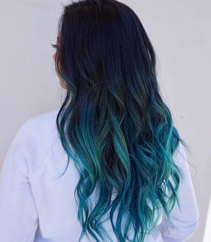 Черно-синие волосы
