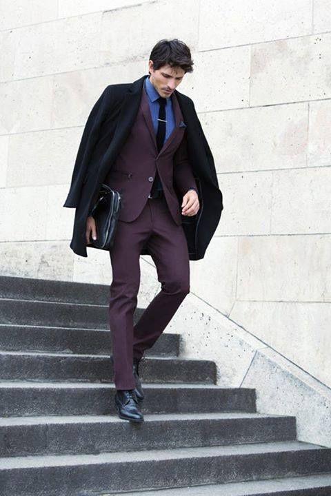 bold suit color // #suit #menswear
