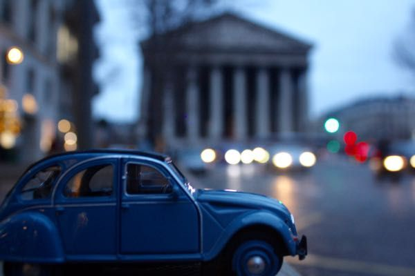 "🚗2CV Week #25  PARIS PHOTO CHALLENGE: Think you know Paris? Each week I will be posting a picture of my Citroen 2CV car in front of a famous Parisian monument or location. Follow the challenge using the hashtag #JansFrance2CV on Twitter or Instagram or check out my website and make your guess. At the end of each week I will post the answer on my website under ""Paris""🇫🇷"